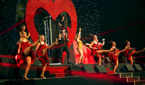 can can moulin rouge show