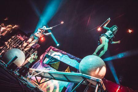 Circus Globewalker Halloween