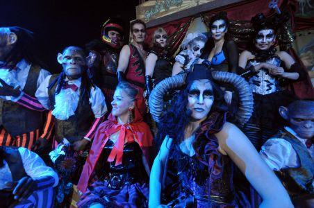 Cirque Beserk Cast Hyde Park