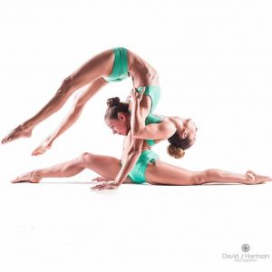 contortion duo act