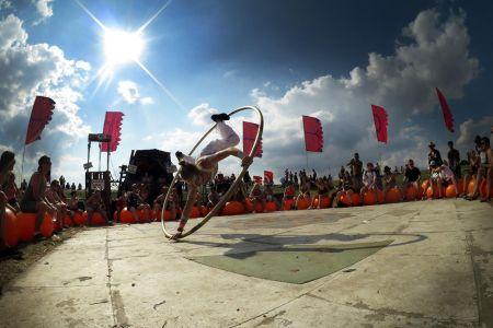 cyr wheel stage show