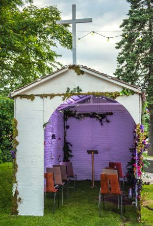 Decor Chapel Of Love