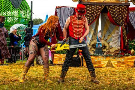 female chainsaw performer
