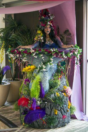 flower girl living table static