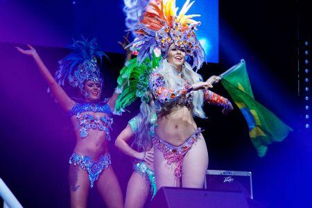 girls rio carnival brazil
