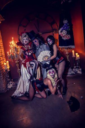 Gothic Halloween Decor