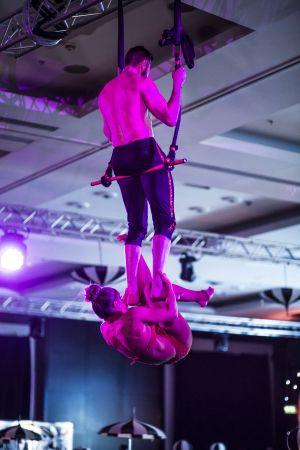 greatest showman acrobats