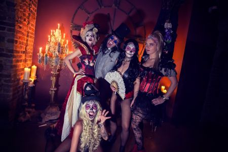 Halloween Decor Costumes
