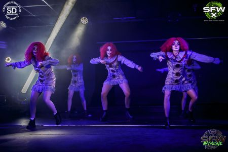 horror dancers
