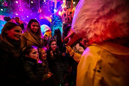interactive halloween walkabout