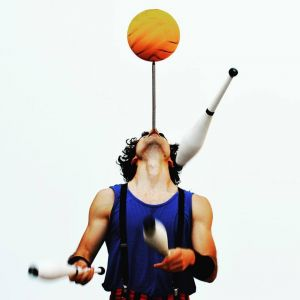 luca chiavra juggle balance