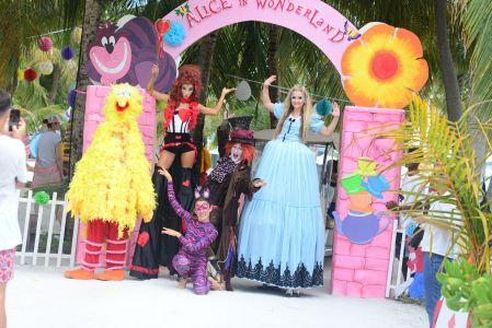 Maldives Alice In Wonderland