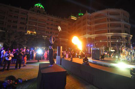 Performer At Dubai Hot 100