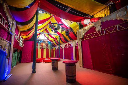 showman themed event decor