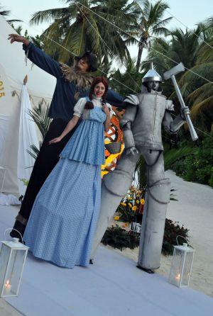 Stiltwalkers Wizard Of Oz