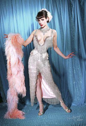 talulah blue classic burlesque artist