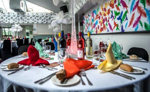 Tropical Rio Dining Decor