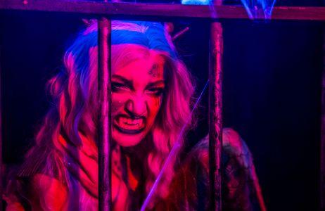 vampiress performer