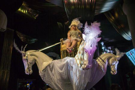 Vegas Horse Head Prop