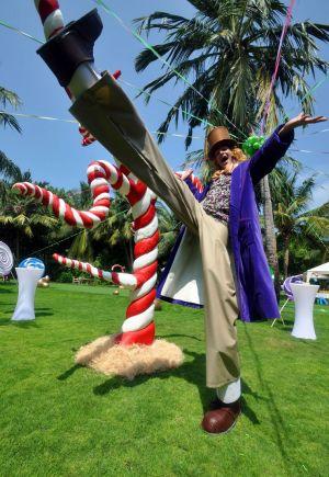 Willy Wonka Stilt Walker