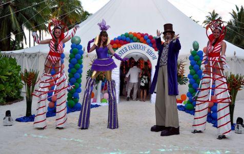 Willy Wonka Stilt Walkers On The Maldiv Es