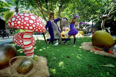 Willy Wonka Veruca Salt Costumed Characters