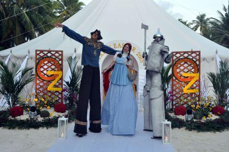 Wizard Of Oz Stilt Walkers